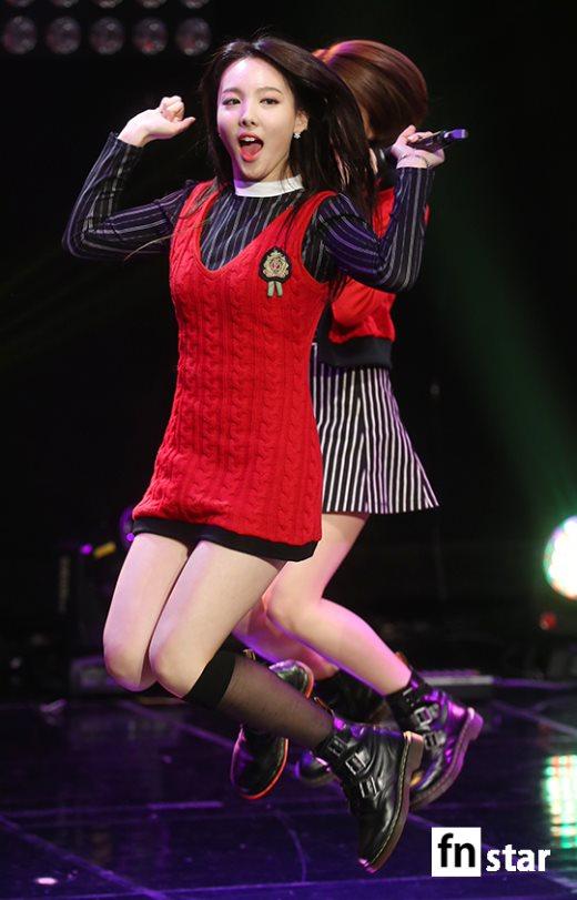 MBC標準FM「女性時代」に出演中のTWICEナヨン